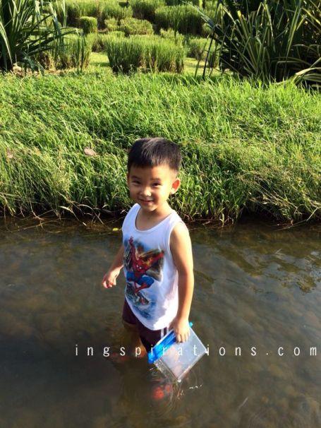 fishing bishan park river