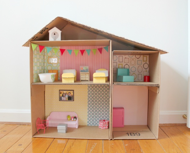 DIY cardboard dollhouse