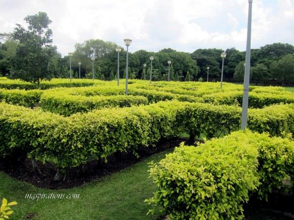 maze garden pasir ris park