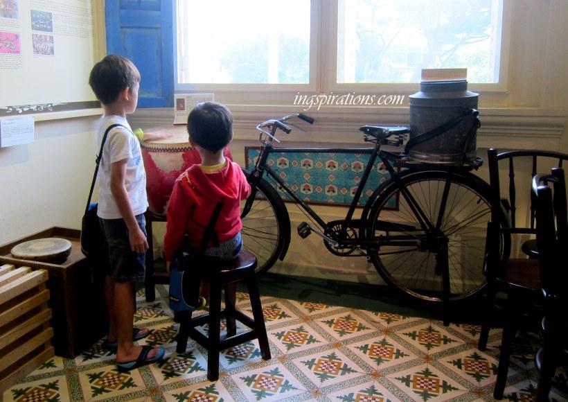 Singapore Philatelic Museum 1