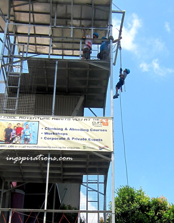 abseiling-in-singapore