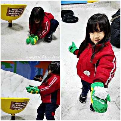 snow-play-snow-city-singapore